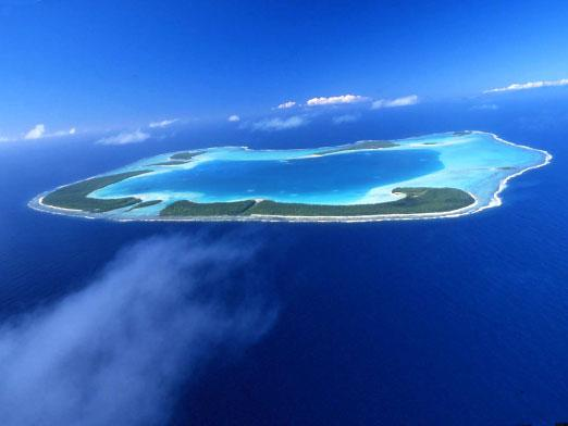 Which country belongs to the island of Tahiti?