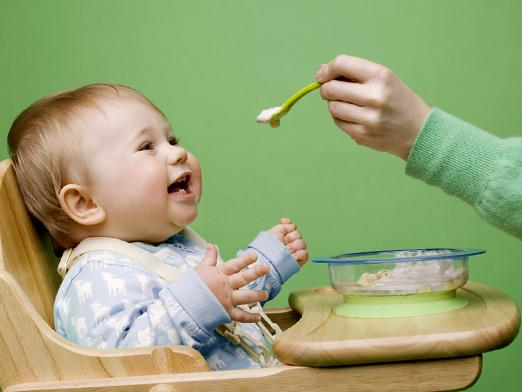 How to feed a child after a year?