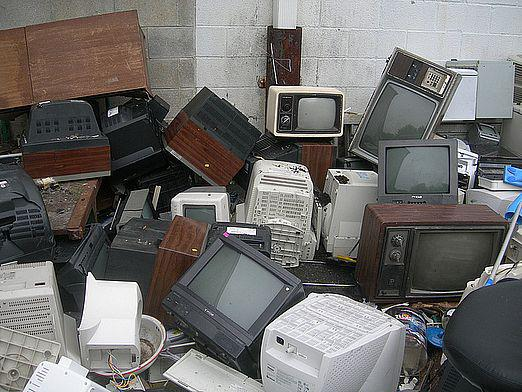 Where to hand over the old TV?