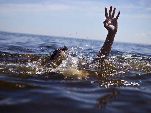 How do people drown?