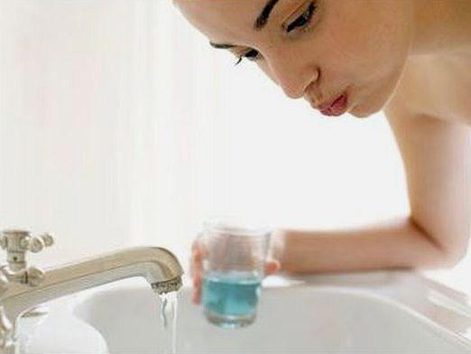 How to rinse your mouth?