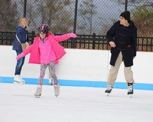 How to dress up on the rink