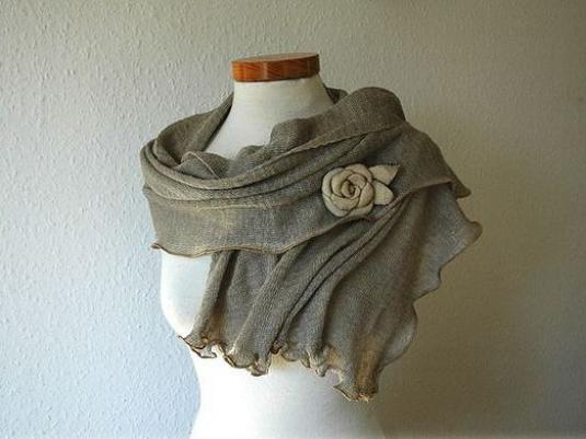 How to decorate a scarf?
