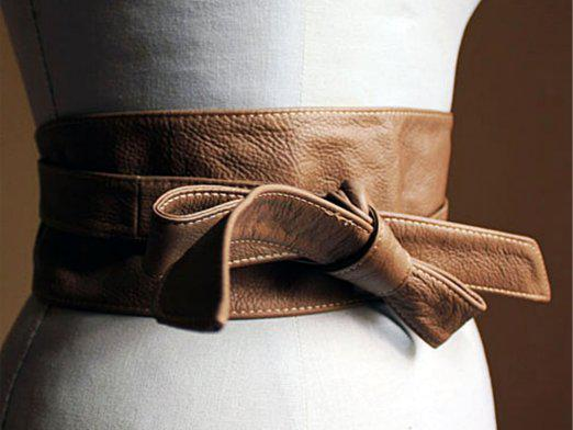 How to tie a belt?