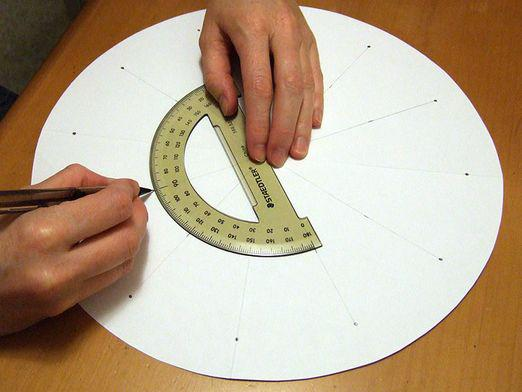 How to use a protractor?