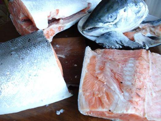 How to cut salmon?
