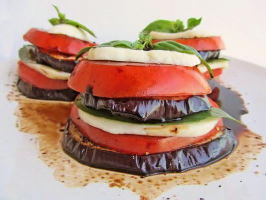 How to cook eggplant with tomatoes?