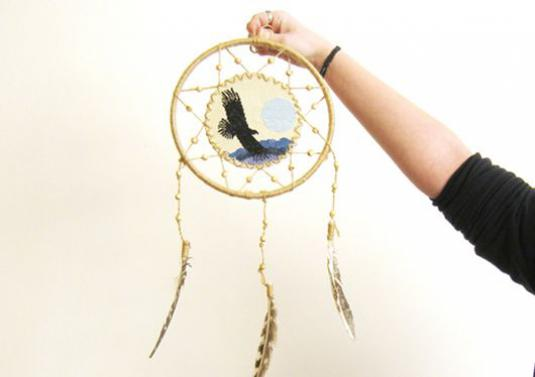 How to make a dream catcher?