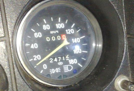 How to connect a speedometer?