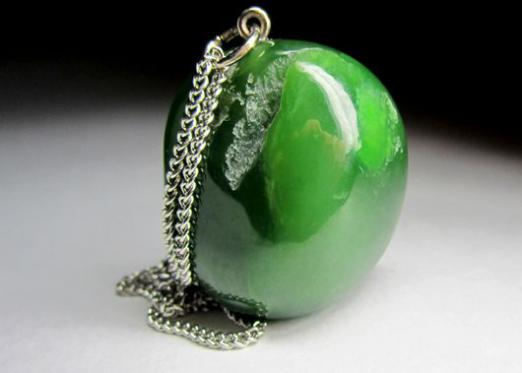 Which stone is suitable for Virgo women?