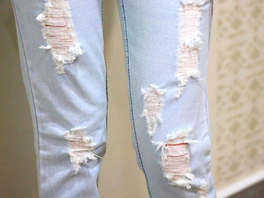 How to tear jeans?