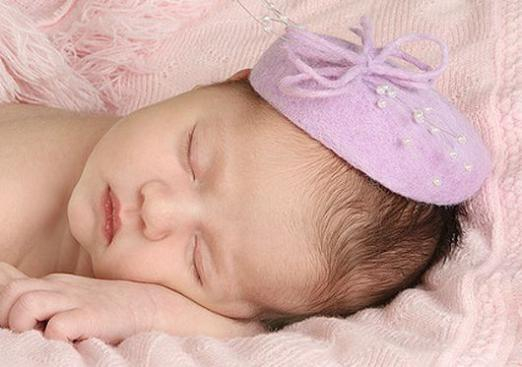 What to give for the birth of a daughter?