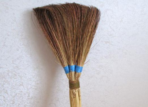 Why dream of a broom?