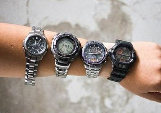 Why does the wristwatch stop?