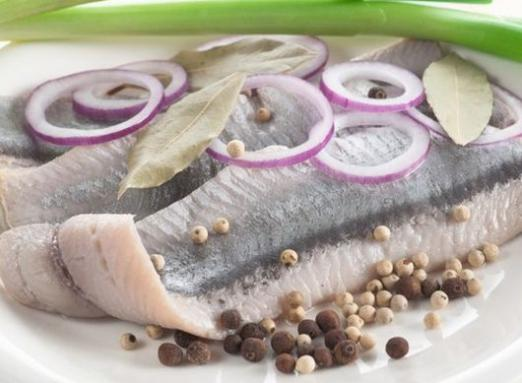 How many calories in herring?