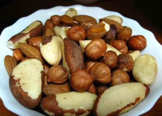 How many calories are in nuts?