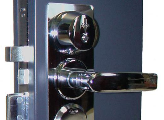How to remove the lock from the door?