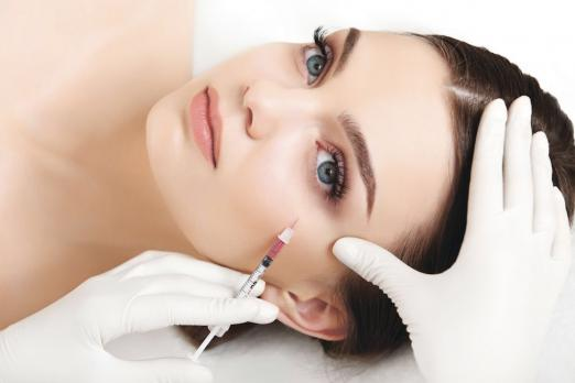 """Plazmofilling - a procedure by which the years are """"erased"""" from the face"""