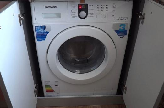 The washing machine Samsung does not squeeze and does not drain the water: what to do?