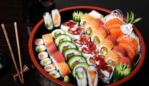 Where to order sushi and rolls?