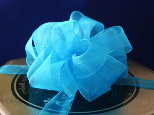 How to make a ribbon bow?