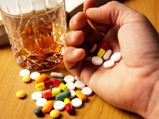 Is it possible to drink alcohol with antibiotics?