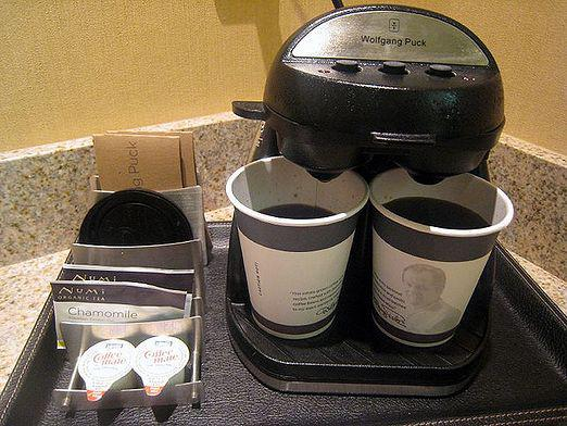 How to make coffee in a coffee maker?