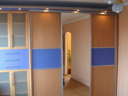 How to make a built-in wardrobe?